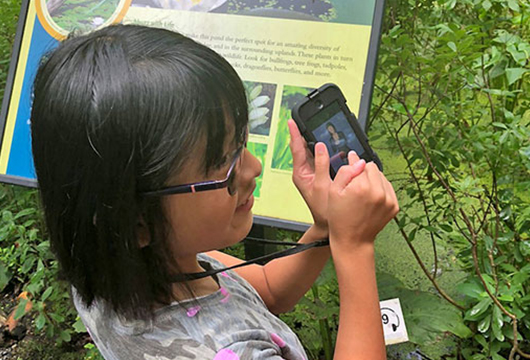 Glossary Apps for Signing Science Exhibits